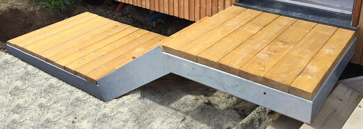 Catamaran - Escalier design extérieur - bois et Galva